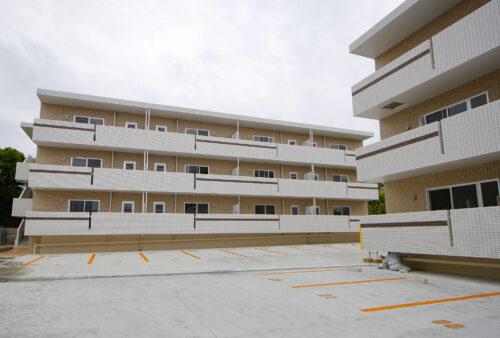 一敷地の中に分棟独立型で2棟建築。子育てファミリーにおすすめの最新・大鏡 規格型賃貸マンション