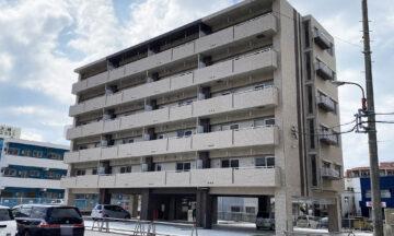 広々とした部屋と1階の屋内駐車場でゆとりある暮らしを実現する賃貸マンション